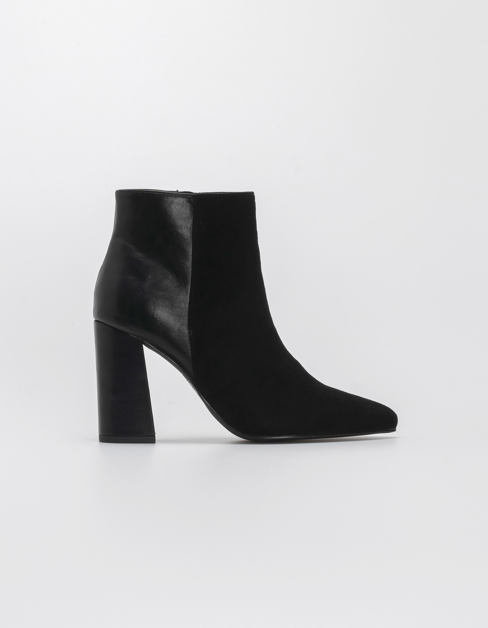 Ankle boots με συνδυασμό υλικών - Μαύρο