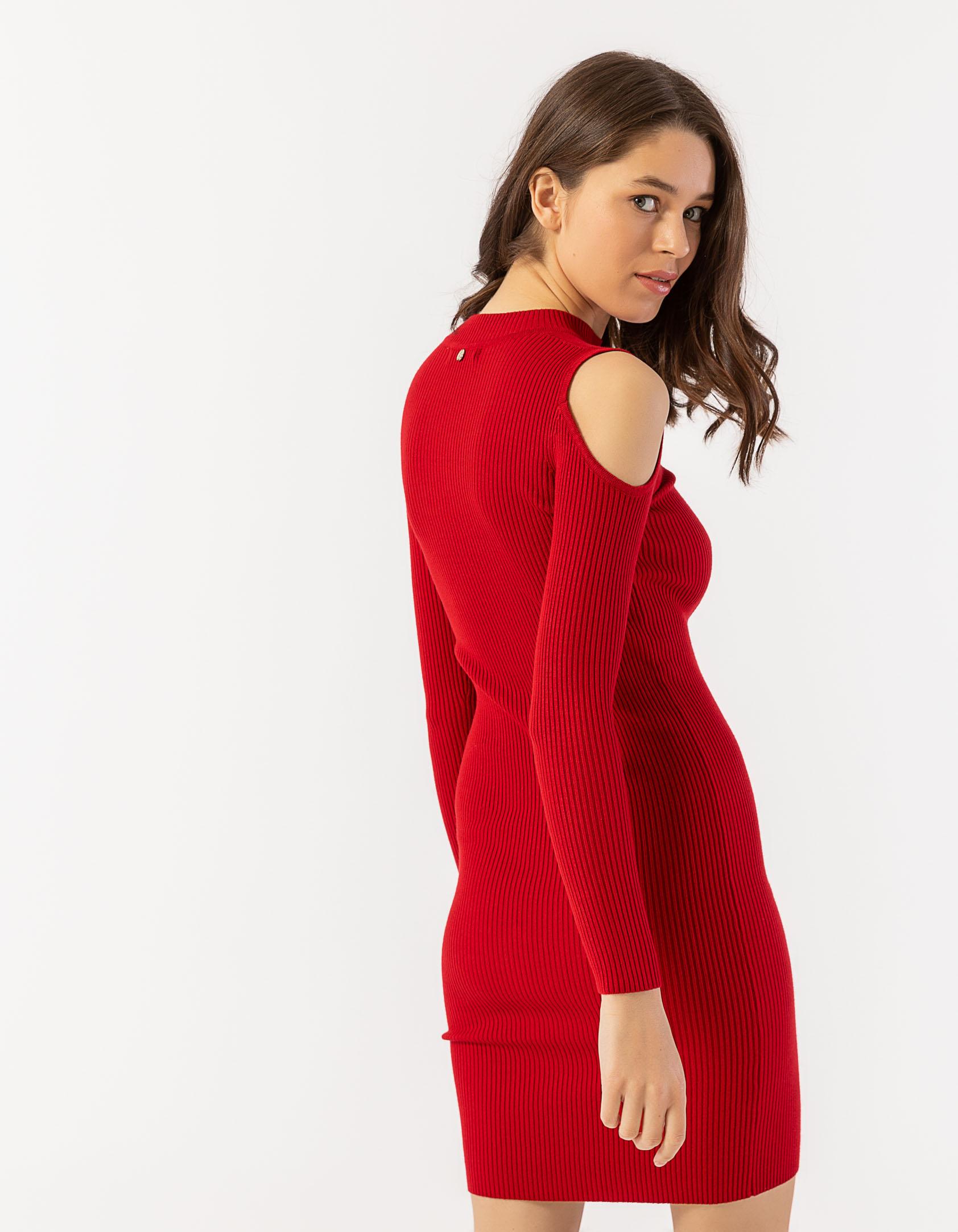 0e40e514a3d Φόρεμα με άνοιγμα στους ώμους - Issue Fashion