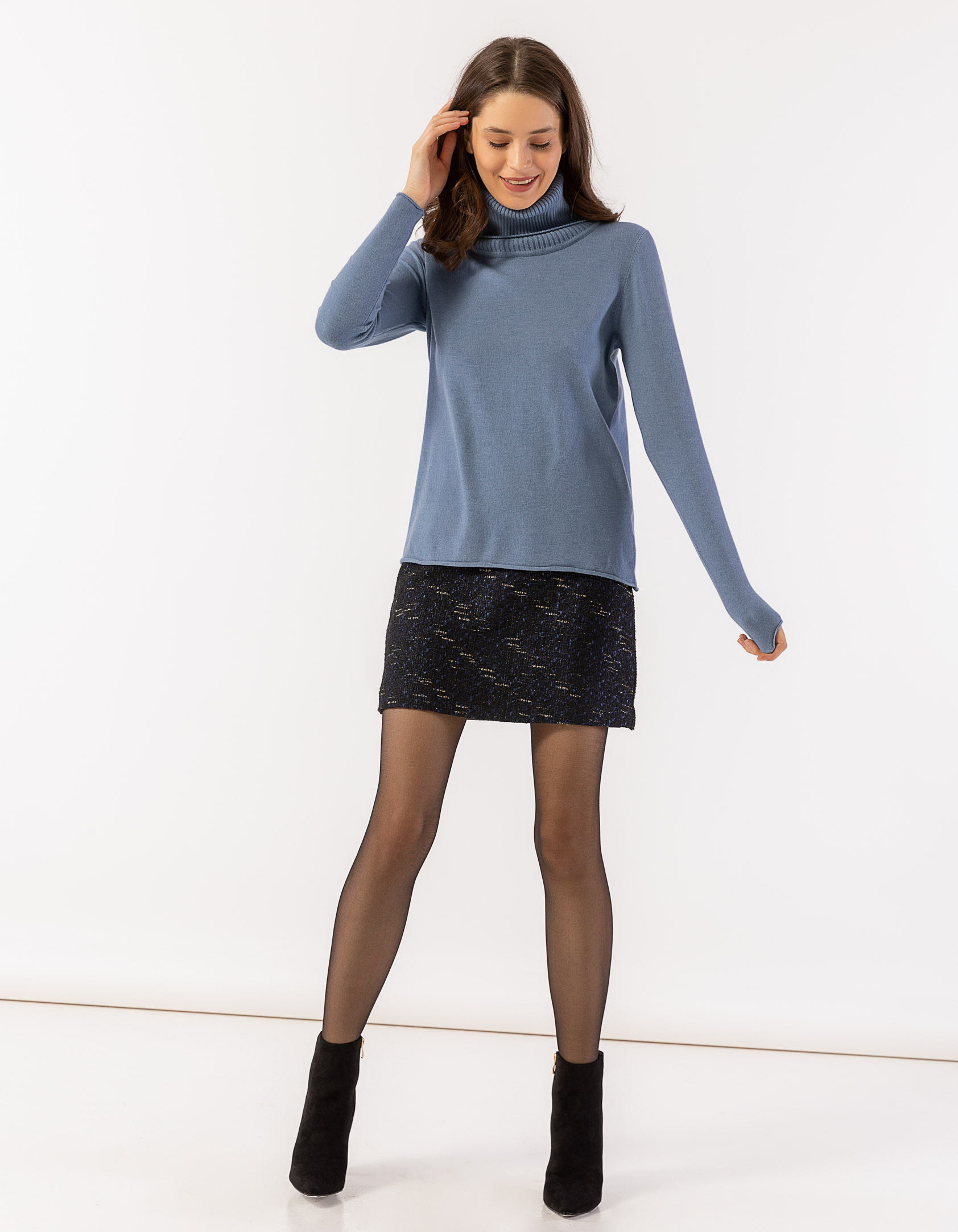 5c1aacd3464 Φούστα mini σε Α γραμμή από μπουκλέ ύφασμα - Issue Fashion