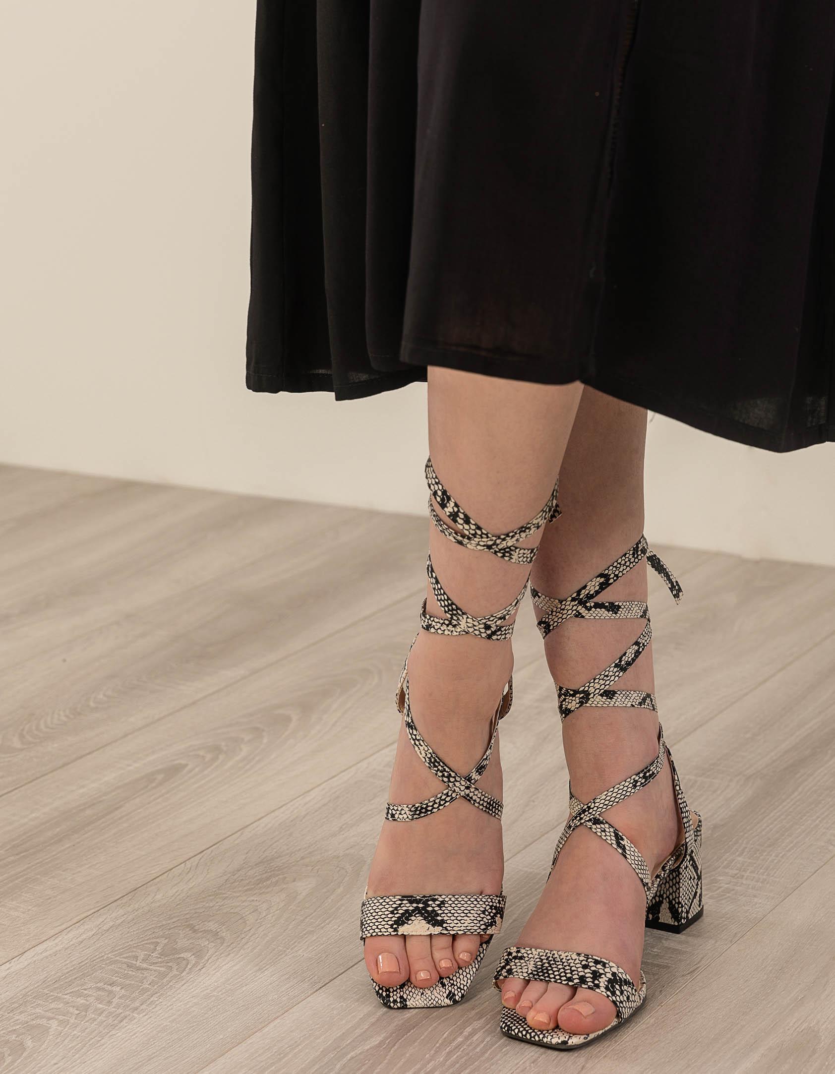 Snake skin lace-up πέδιλα - Μπεζ