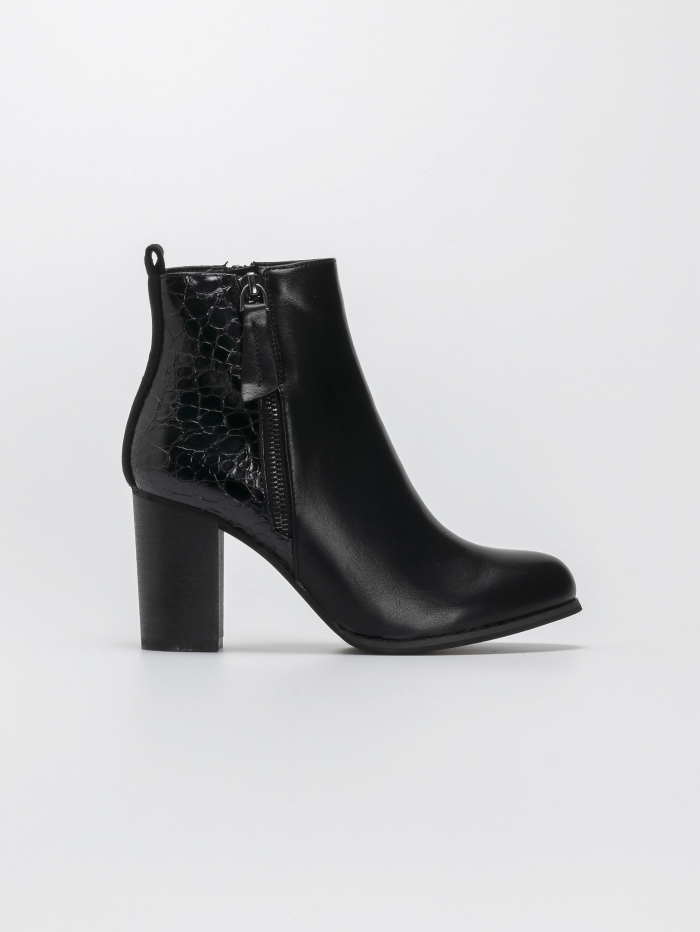 Ankle boots με ξύλινο τακούνι