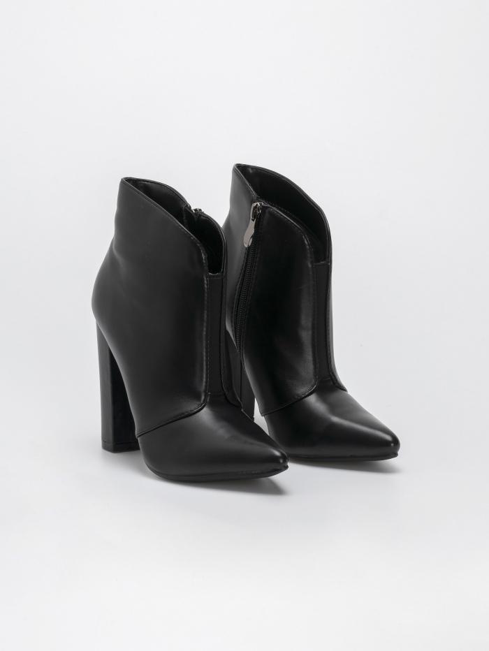 Ankle boots με λάστιχο μπροστά