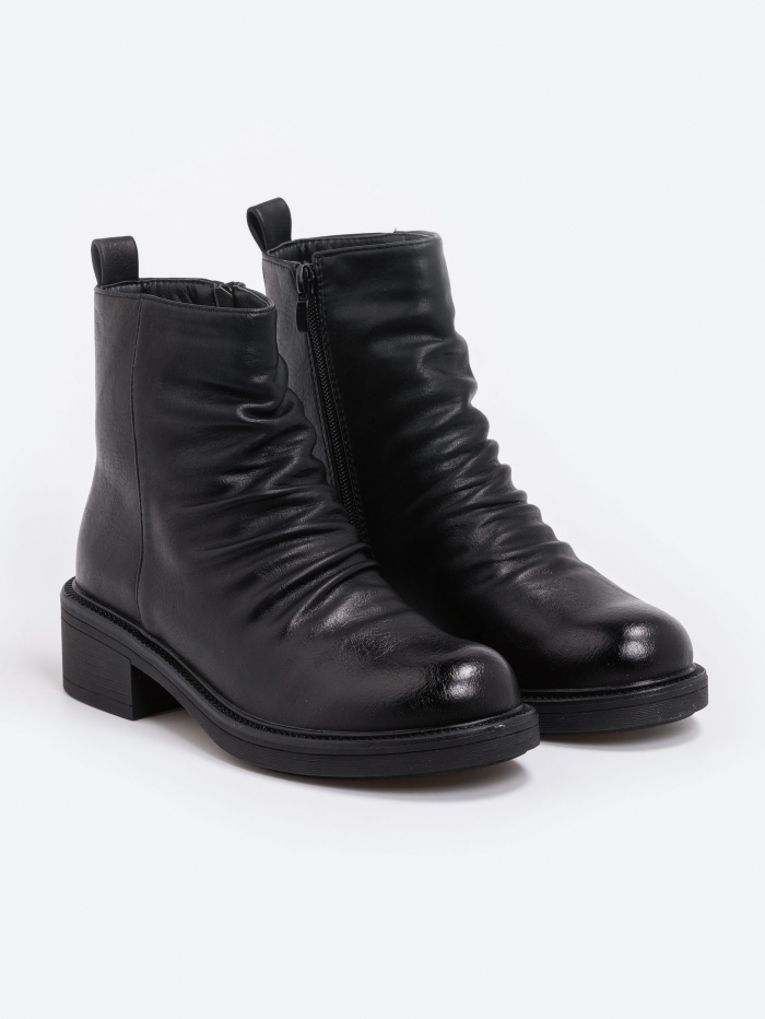 Ankle boots με σούρες