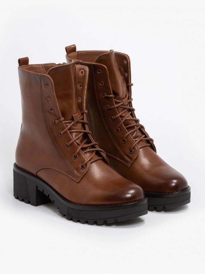 Αrmy boots με τρακτερωτή σόλα