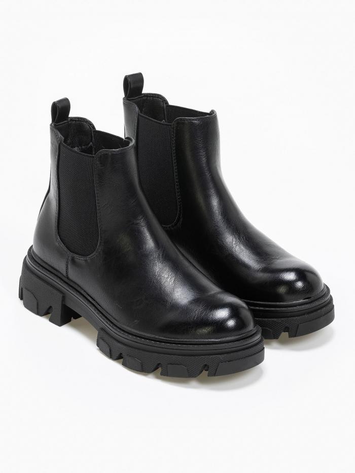 Chelsea boots με τρακτερωτή σόλα