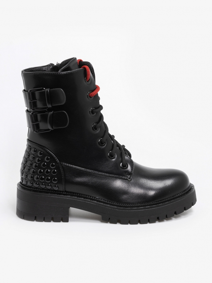 Combat boots με διακοσμητικά ζωνάκια