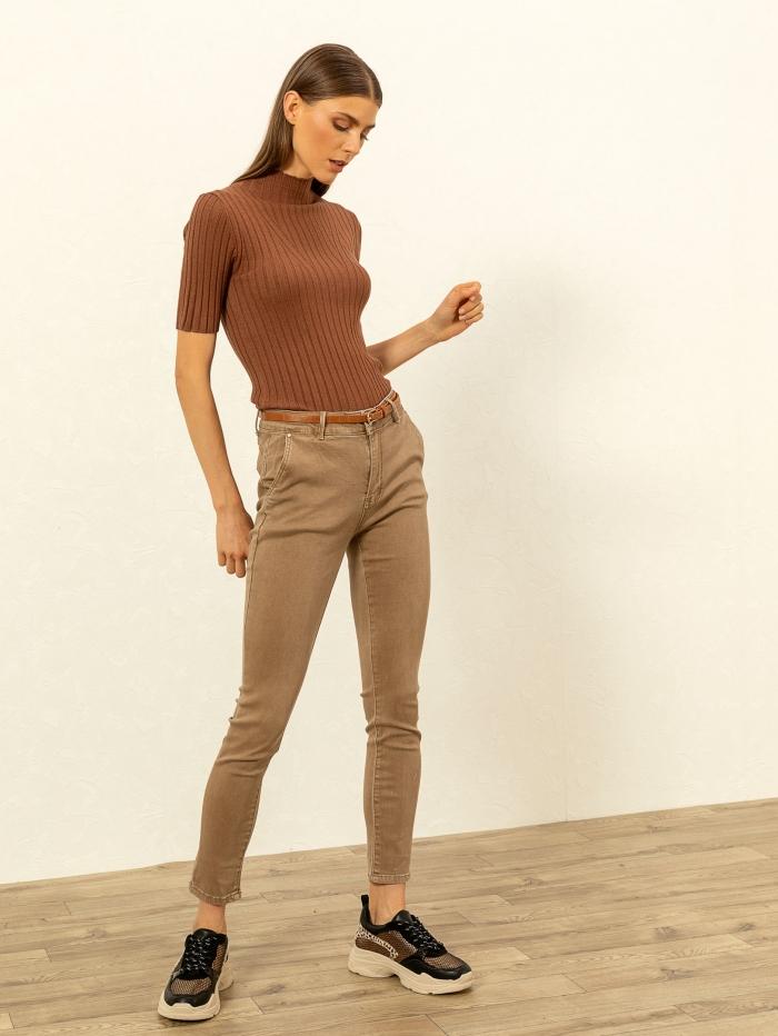 Ελαστικό παντελόνι με ζωνάκι