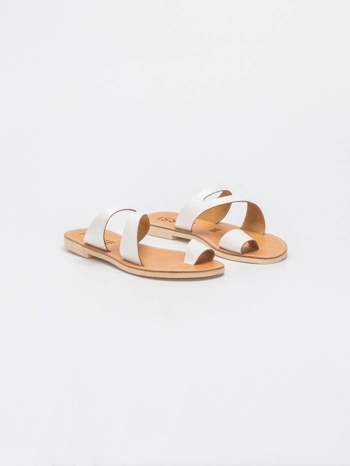 Flat σανδάλια με toe ring