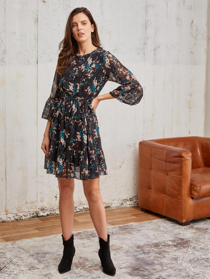 Φόρεμα φλοράλ με ζώνη
