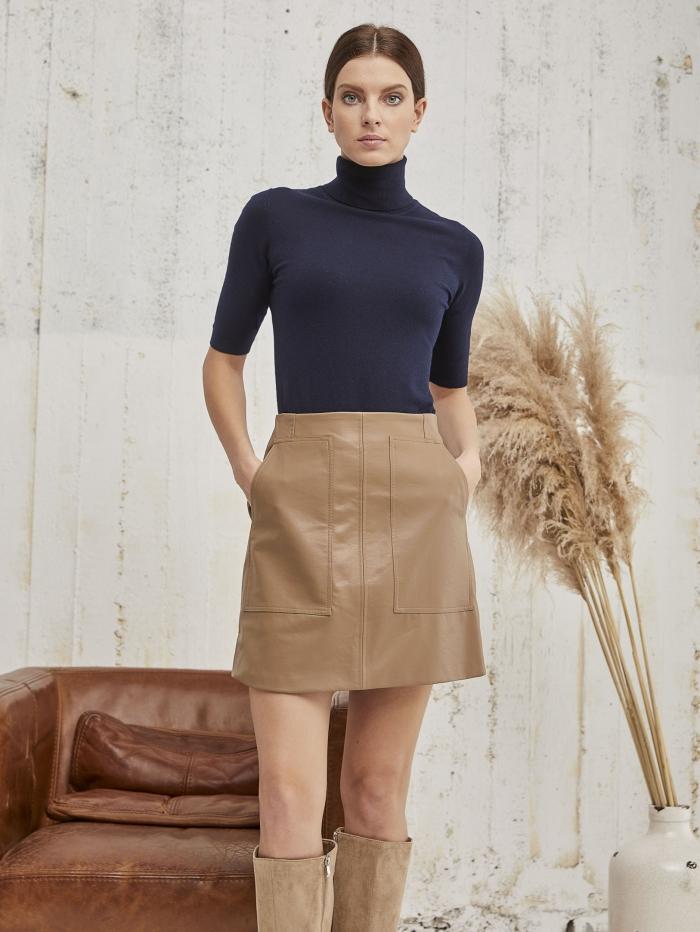 Φούστα mini με εξώραφα