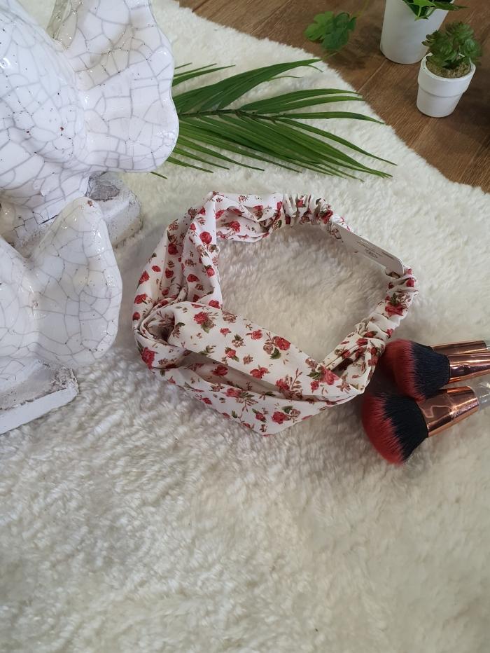 Κορδέλα με λουλούδια