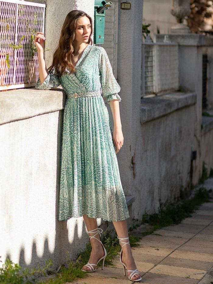 Κρουαζέ πλισέ φόρεμα με ζώνη