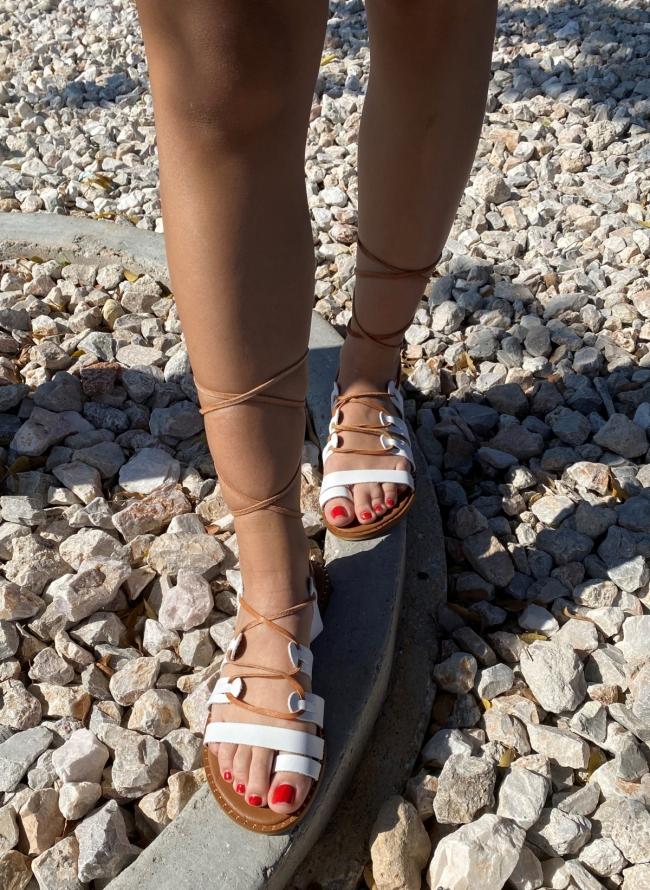 Lace up σανδάλια με toe ring