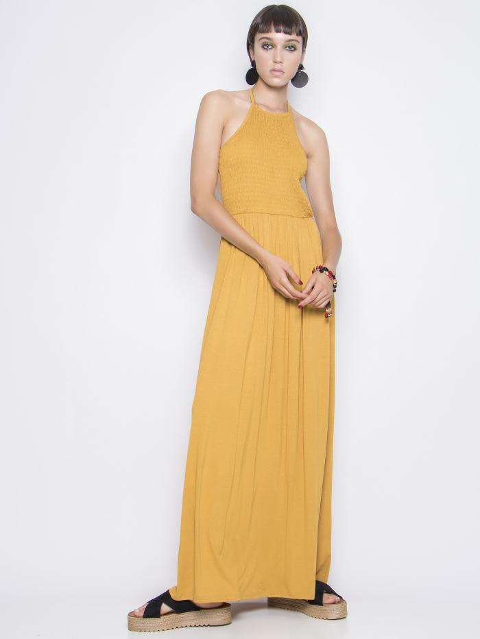 Μάξι φόρεμα με άνοιγμα στην πλάτη