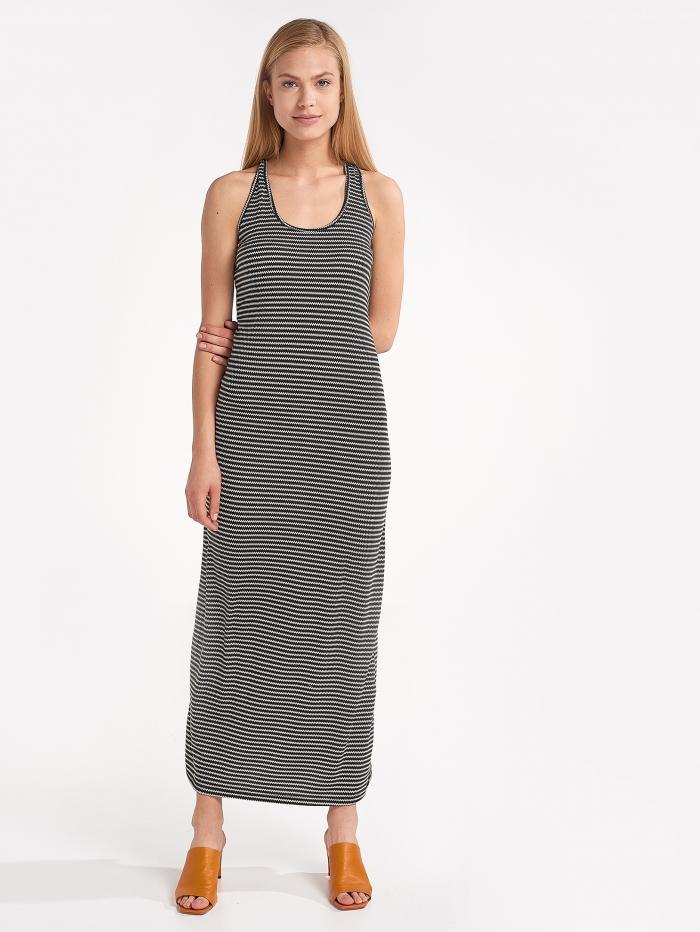 Μάξι φόρεμα με ασσύμετρο ριγέ σχέδιο