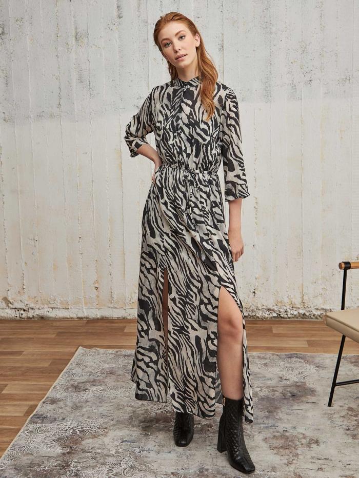 Maxi φόρεμα με zebra τύπωμα και slits