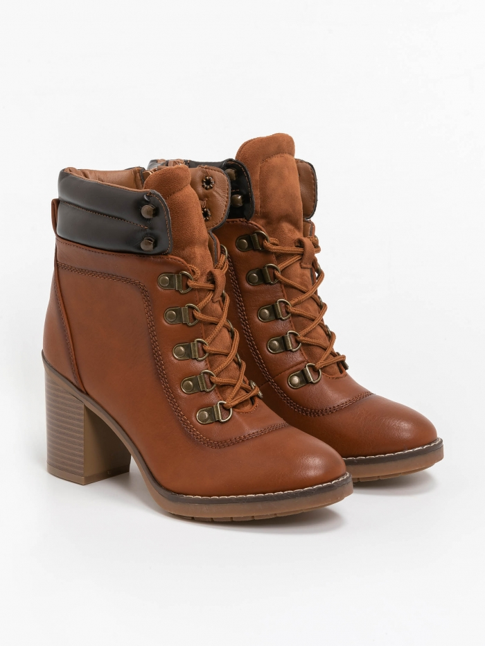 Mid heel hiking boots