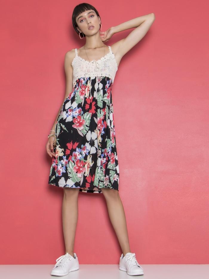 Midi φόρεμα με κεντητή λεπτομέρεια