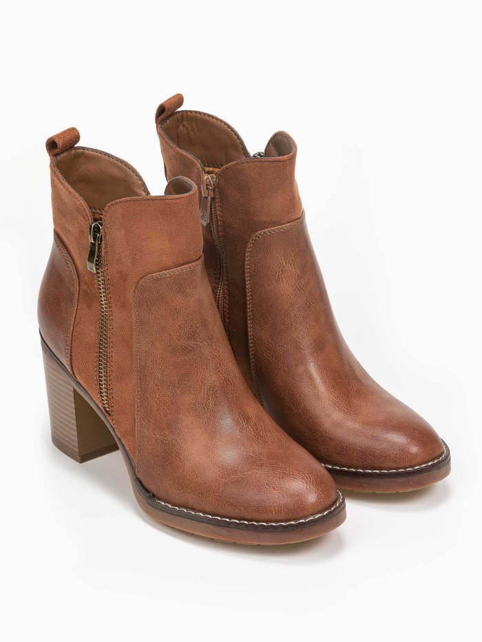 Ankle boots  με συνδυασμό υλικών