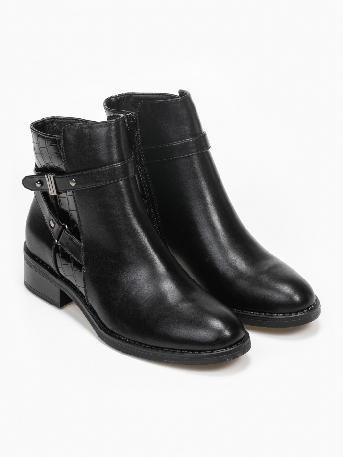 Ankle boots με ζώνη και croco