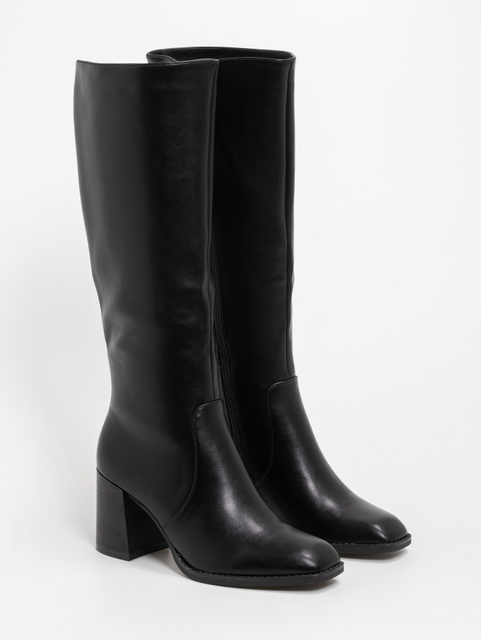 Μπότες με τετράγωνη μύτη και χαμηλό τακούνι