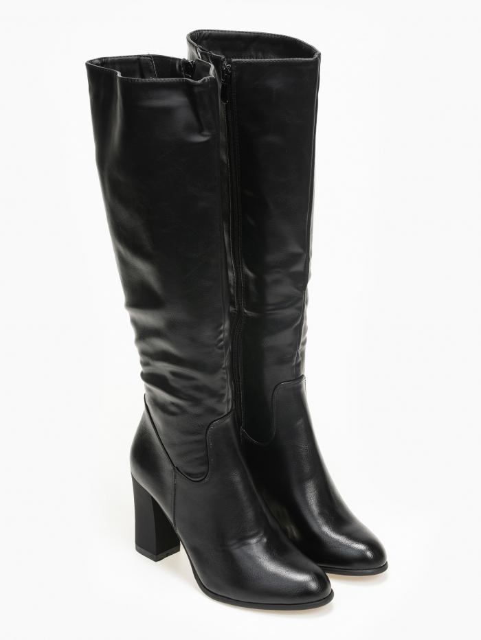 Ψηλές μπότες με χοντρό τακούνι