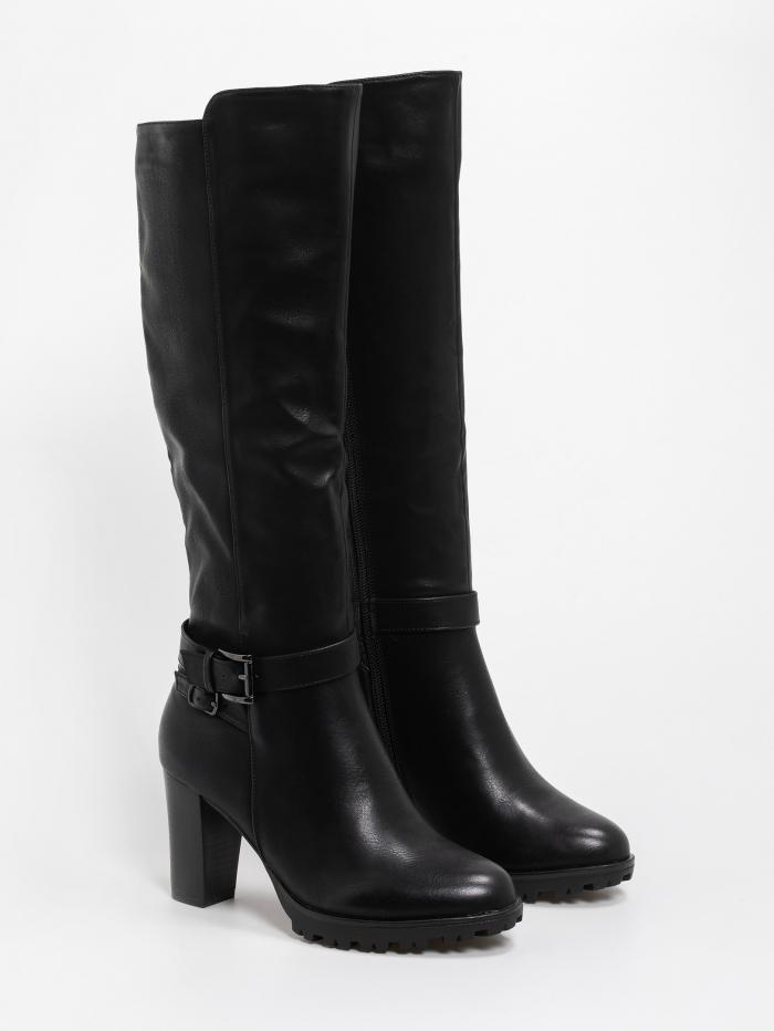 Μπότες με χοντρό τακούνι και ζώνη