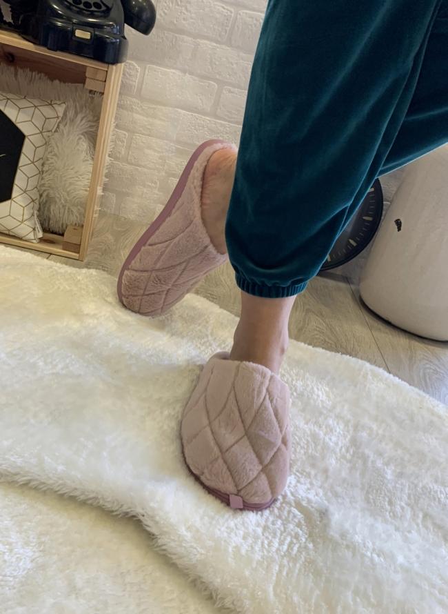 Παντόφλες με γούνα quilted