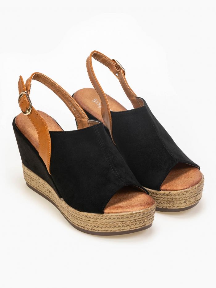 Peep toe πλατφόρμες σε συνδυασμό υλικών