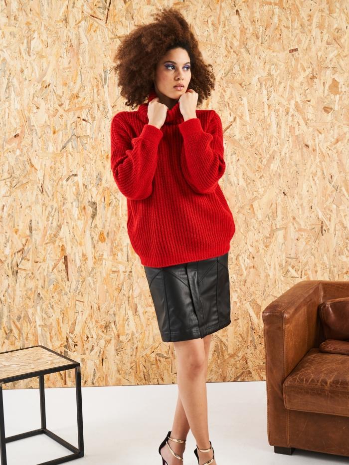 Πλεκτό πουλόβερ με ριχτό ζιβάγκο