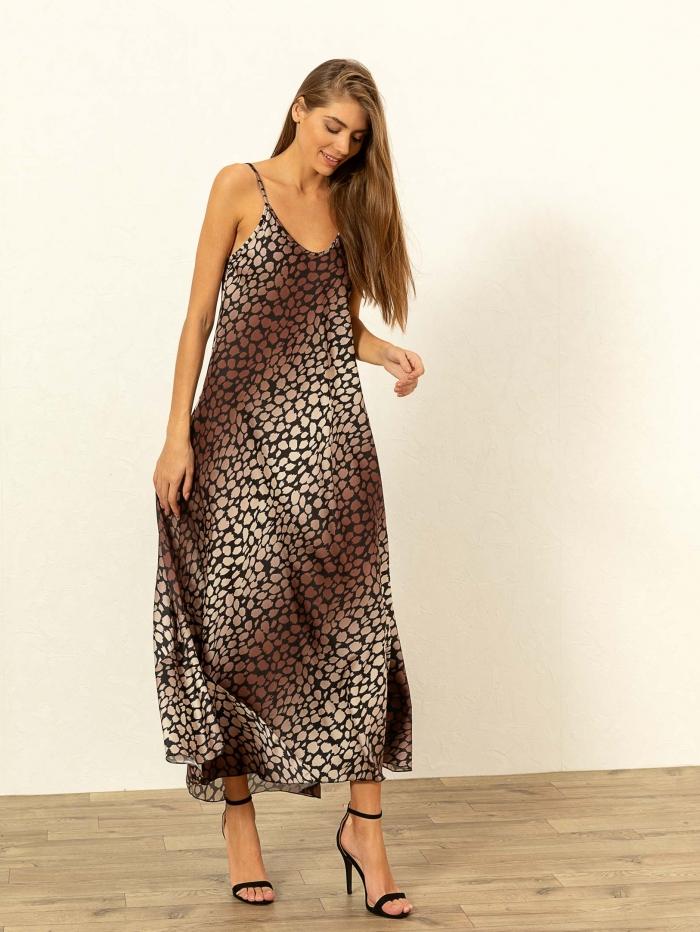 Ριχτό φόρεμα σε στύλ lingerie