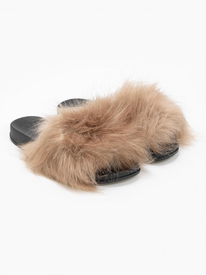 Slides με γούνα με μακριά τρίχα