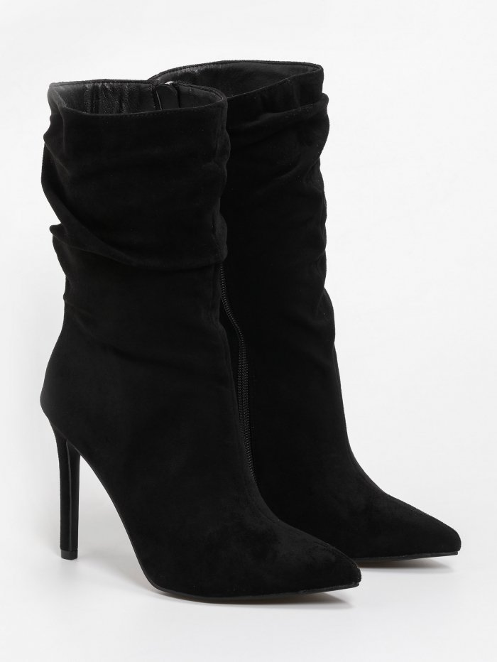Slouchy suede μυτερά μποτάκια με λεπτό τακούνι