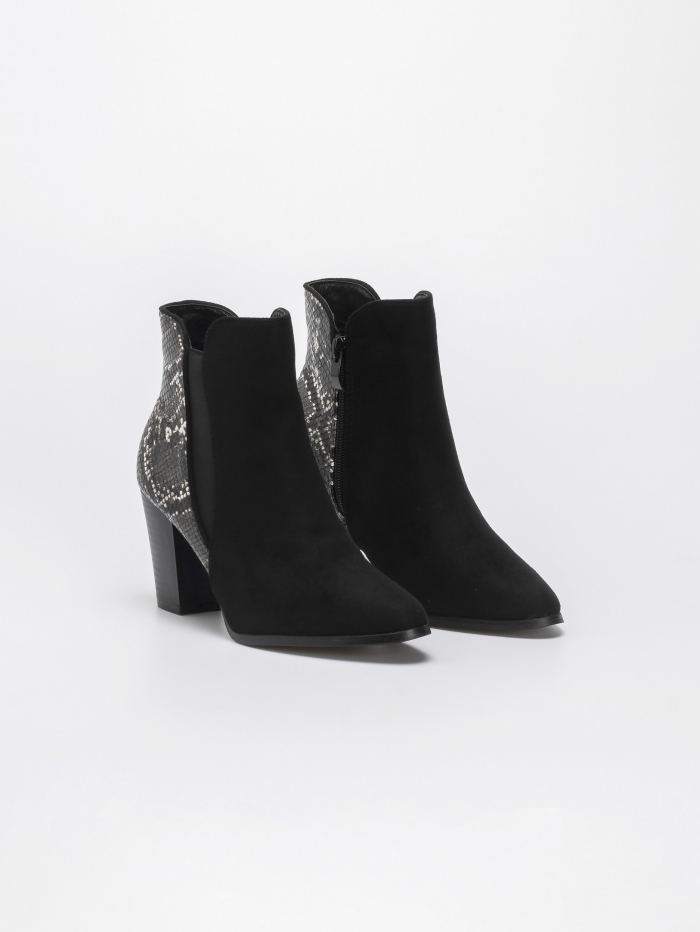 Suede ankle boots με σχέδιο φίδι