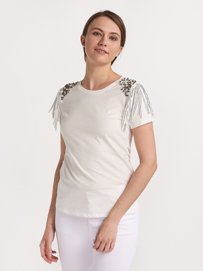 T-shirt με πέρλες και κρόσσια
