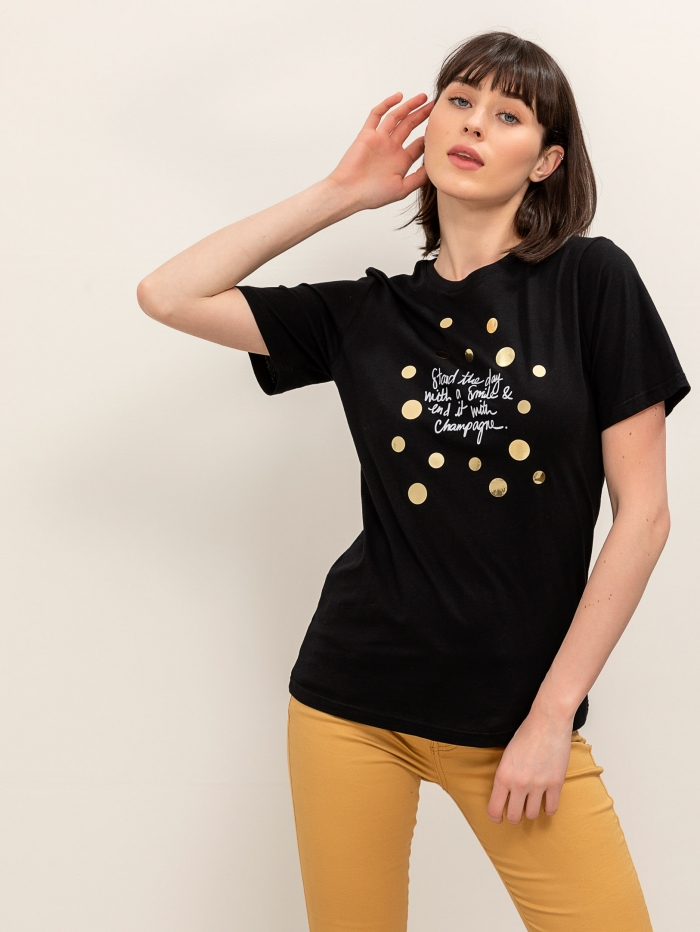 T-shirt με χρυσές λεπτομέρειες