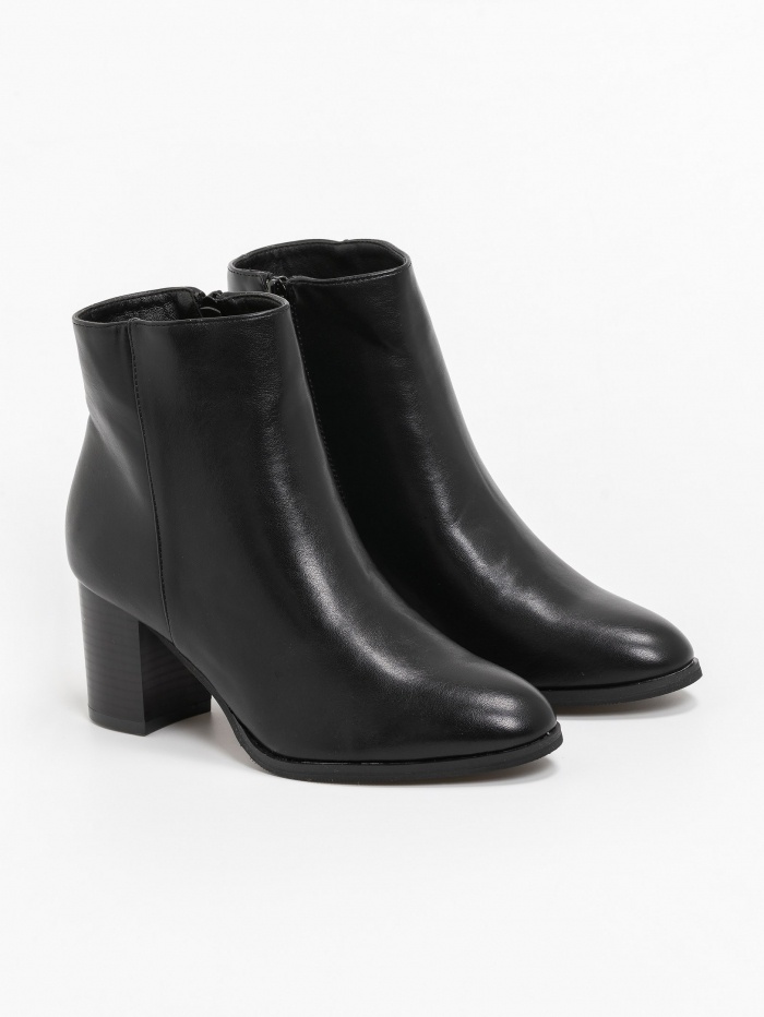 V front mid heel ankle boots