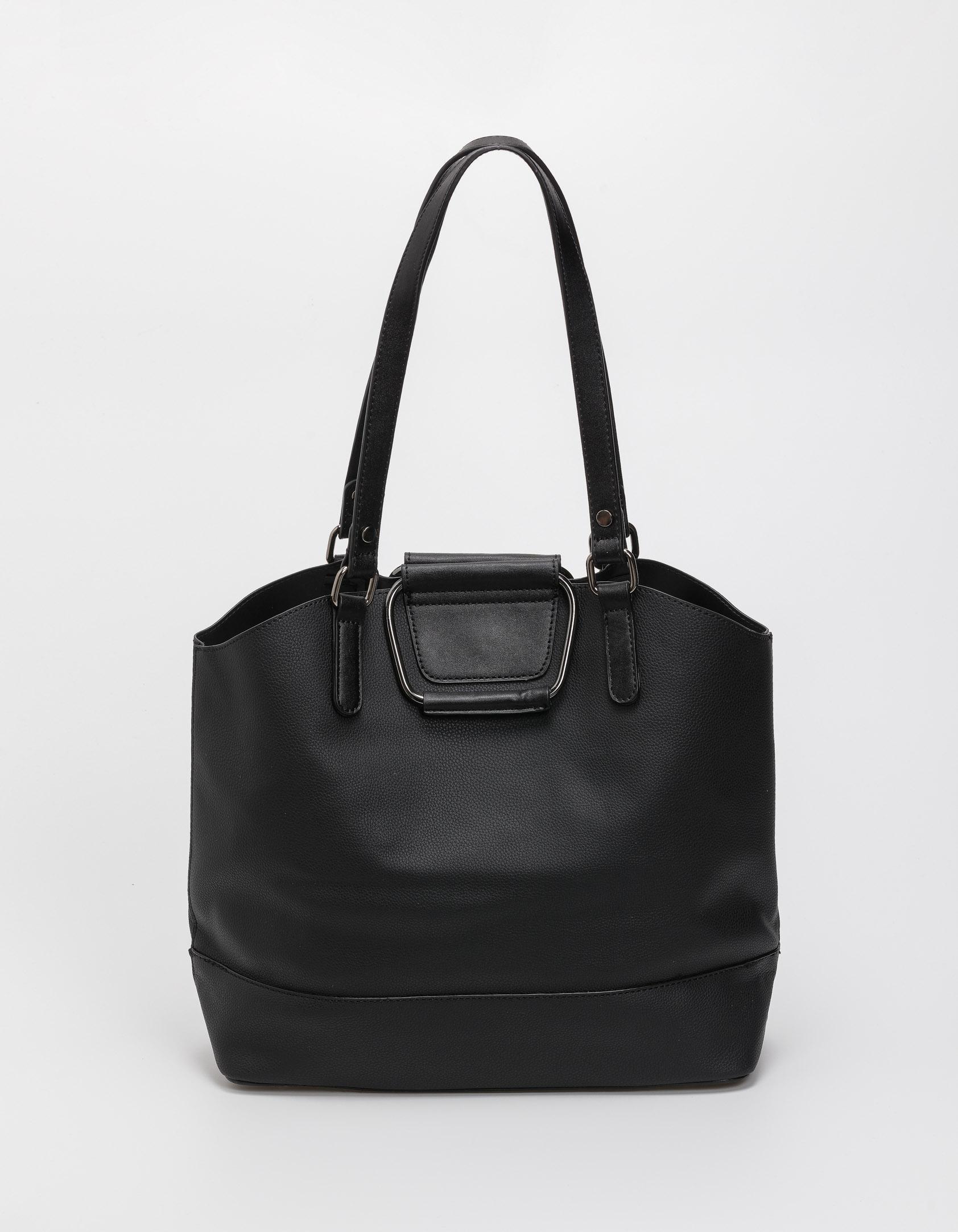 Τσάντα ώμου με μεταλλικές λεπτομέρειες - Μαύρο